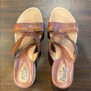 Clark's sandal/wedge
